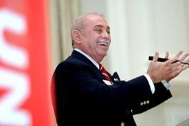 Dr Louis Martin-Vega